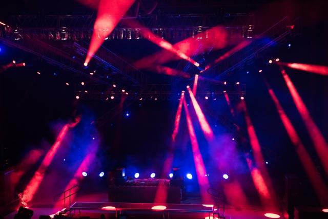 舞台照明にはどんな種類がある?ひとつひとつ解説『パーライト編』